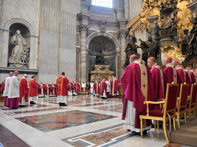 «Gustavo Zanchetta ha compiuto abusi su seminaristi»: chiesto ordine di cattura per il monsignore