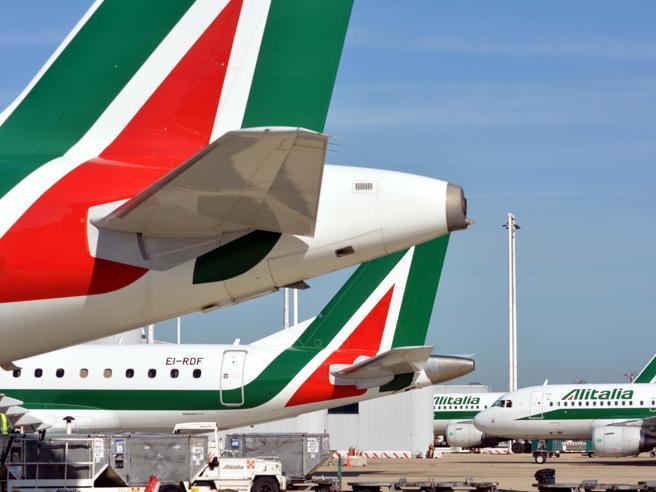 Alitalia, lunedì sciopero dalle 13 alle 17: già 130 i voli cancellati
