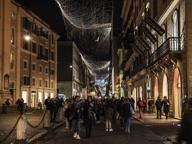 Roma, accesi Spelacchio e luminarie Installazioni luce, come nei musei