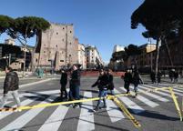 Roma, largo Corrado Ricci riaperto a taxi e autobus