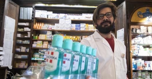 Coronavirus, prevenzione: a Roma è caccia al gel disinfettante