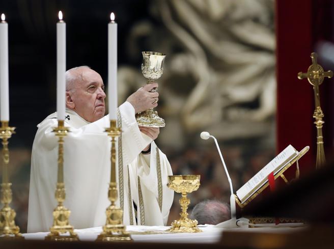 Coronavirus, Papa Francesco celebra la Messa di Pasqua senza Resurrexit«Europa, non è tempo di egoismi»