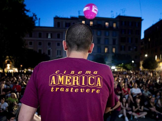 Roma, Piccolo cinema America vs Anica: «Fate opposizione». La replica: «Falso»