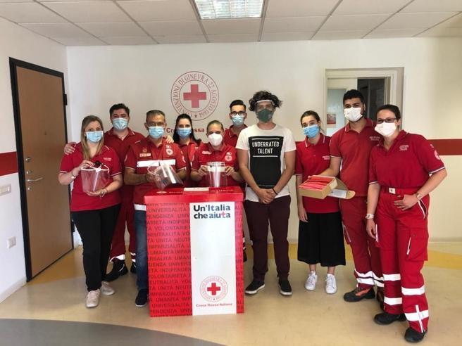 Visiere anti Covid in 3D donate alla Croce rossa da giovani «Visionari»