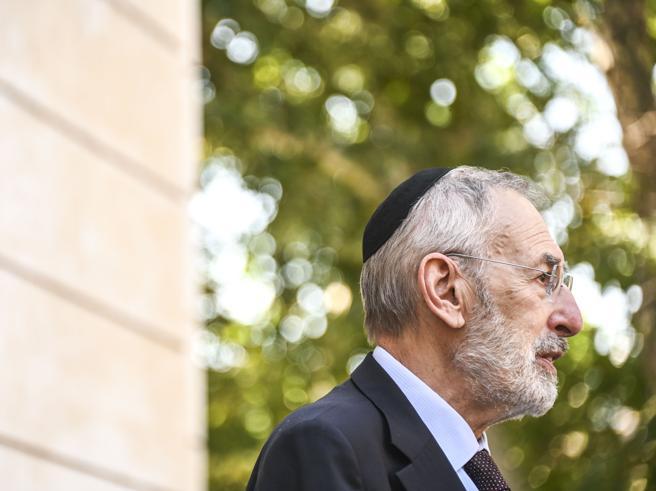 Antisemitismo, il rabbino capo di Roma Di Segni: «Come il Covid, oggi ha le sue varianti. E non perdono i Savoia»