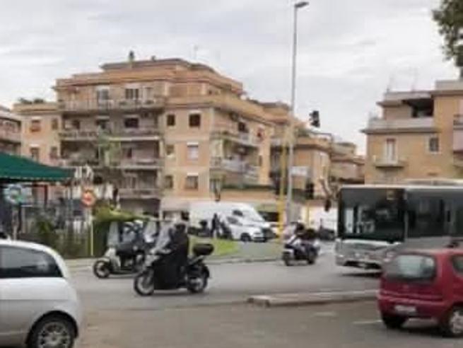 «Il bus al funerale era il suo»:  gli amici dell'autista Tpl morto di Covid difendono il corteo