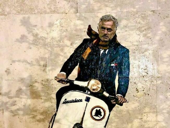 Roma,   Mourinho nel murale di Harry Greb: sullo «Specialone» e con la sciarpa giallorossa