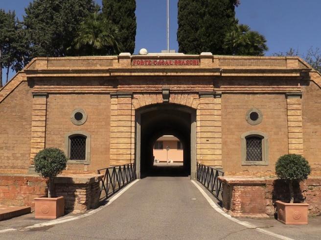Roma: dentro Forte Braschi, la sede dei servizi segreti Il video