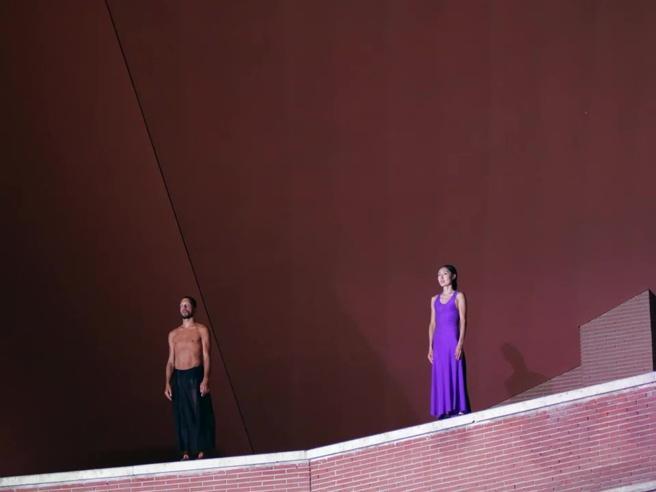 La danza «sacra» di Sasha Waltz apre Romaeuropa. Fra Stravinskij e la pandemia