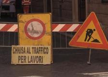 Protesta dei commercianti di piazza San Lorenzo in Lucina: «Fateci lavorare»