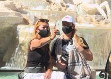 I turisti si godono Roma dopo l'allentamento delle restrizioni