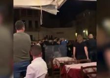 Roma, movida violenta a Campo De' Fiori: interviene la polizia in assetto antisommossa