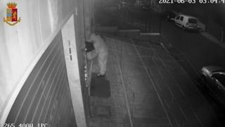 Roma, fermato uno stalker incendiario: aveva dato fuoco a 2 attività legate alla sua ex fidanzata