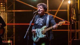 Pop, rock e elettronica, Max Gazzè ipnotizza il pubblico in cavea
