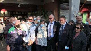Roma, prima uscita pubblica per il sindaco Gualtieri al centro anziani di Tiburtino III