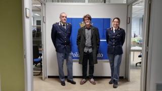 Furto dati sensibili, il cantante Samuele Bersani: «Attenti alla Rete, e confrontatevi con la polizia postale»