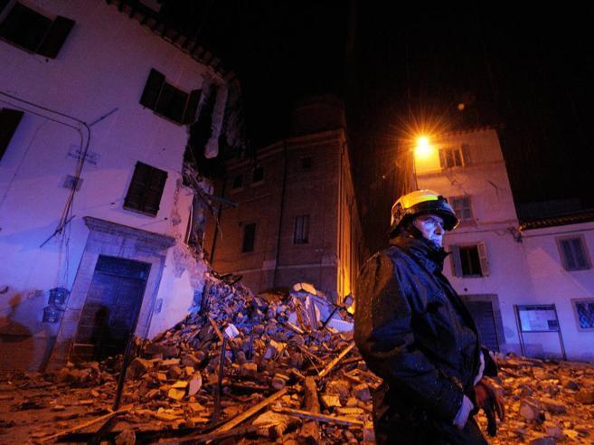 Terremoto marche intascavano contributi senza diritto 120 indagati - Casa senza fondamenta terremoto ...