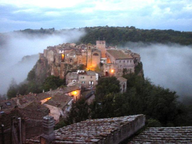 «Calcata è isolata»: l'allarme di Paolo Portoghesi per il borgo delle fate