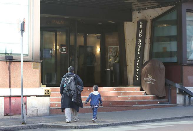 Coronavirus, Hotel Palatino: «Stanza dei turisti cinesi ricoverati è ...