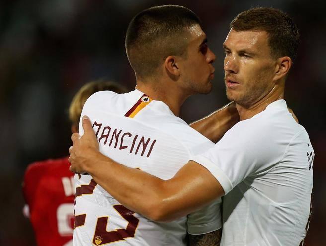 Roma, tris al Perugia. Dzeko a segno, ma continua il braccio di ferro